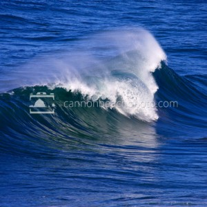Huge Surf Curl – Oregon Coast Wave Photography