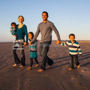 Family Photo in Seaside Oregon