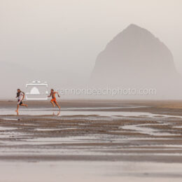 Beach Runners, Haystack Rock